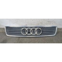 Griglia anteriore cofano Audi A6  Dal 1997 al 2004