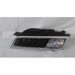 Griglia + Freccia anteriore  DX Nissan Micra k12 dal 2002 al 2007 Cod. 62332BG00A