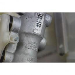 pompa servofreno con vaschetta olio freni opel meriva a cod 32662904